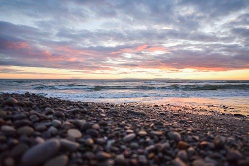 Ingyenes stockfotó felhők, kövek, strand, tenger témában