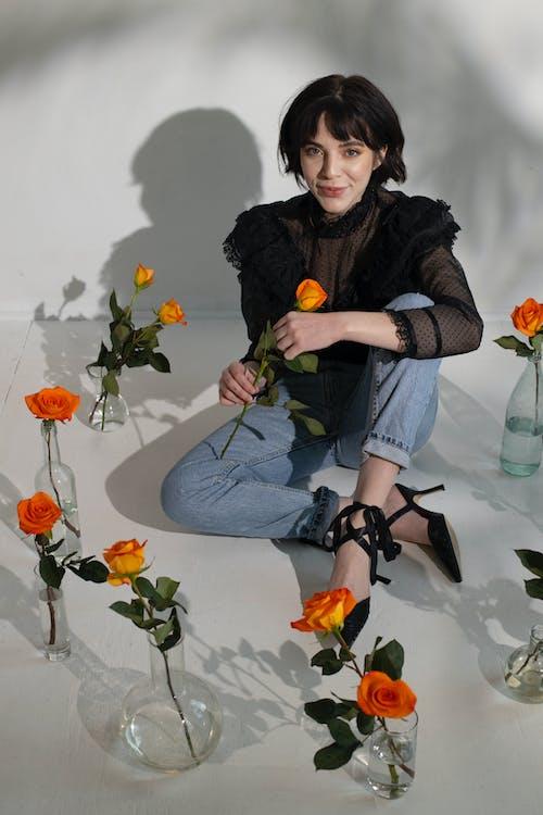 Безкоштовне стокове фото на тему «апельсин, безтурботний, Блузка»