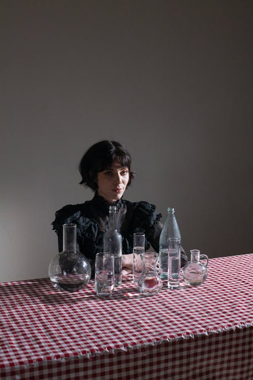 Безкоштовне стокове фото на тему «ваза, вдумливий, вертикальний»