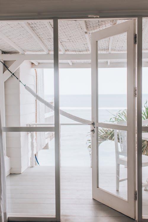 Безкоштовне стокове фото на тему «архітектура, відсутність, вікно»
