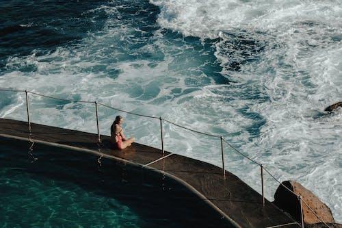 Gratis lagerfoto af alene, anløbsbro, badebro