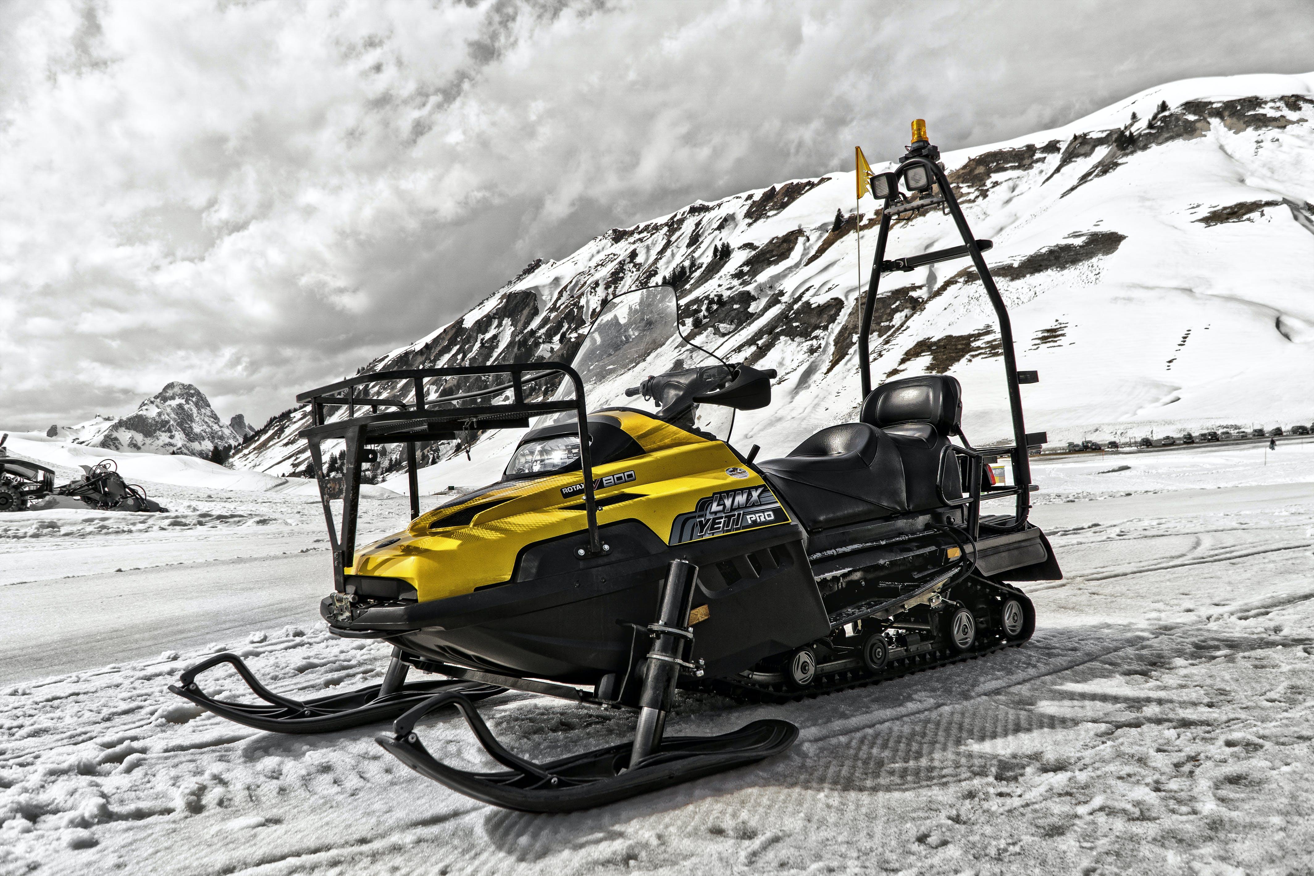 araç, dağ, kar, kar aracı içeren Ücretsiz stok fotoğraf