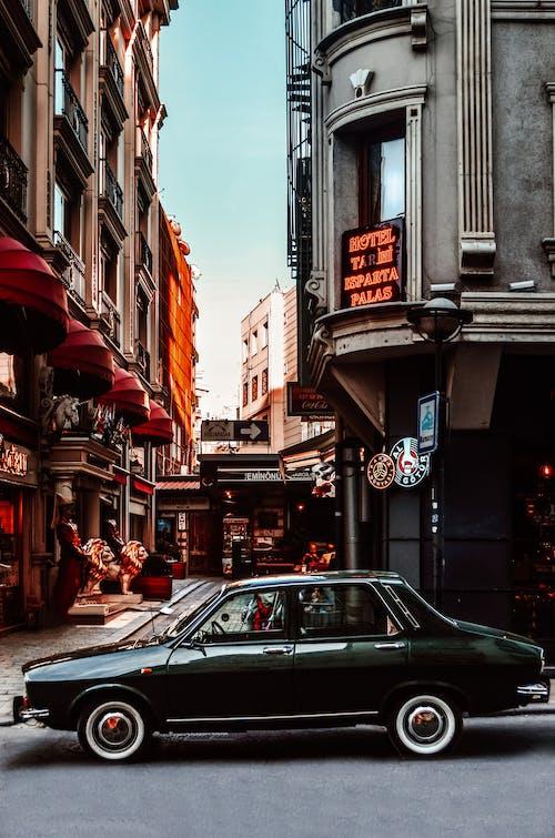 Immagine gratuita di architettura, auto, automobile