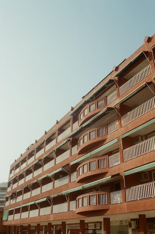 Gratis stockfoto met accommodatie, appartement, appartementencomplex