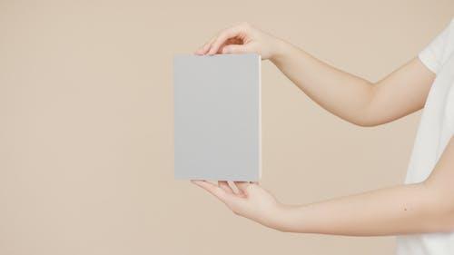 Základová fotografie zdarma na téma blok, deska, držení