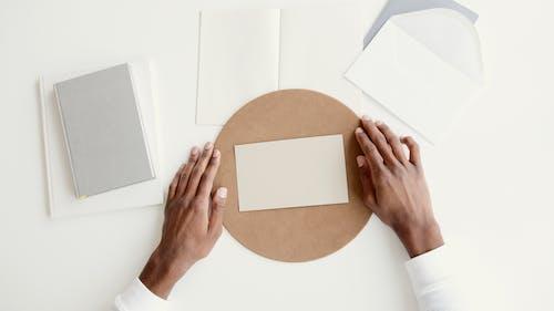 Základová fotografie zdarma na téma bílá, blok, kolo