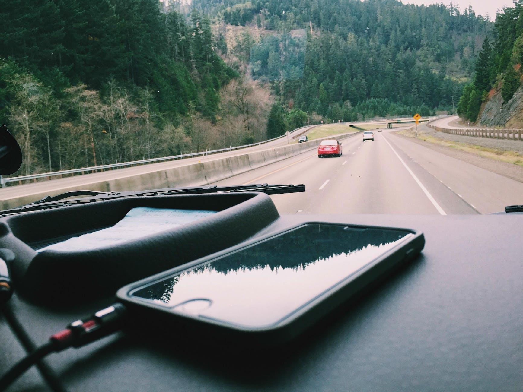 phone on dashboard