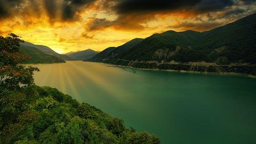 Бесплатное стоковое фото с вода, водохранилище, гора