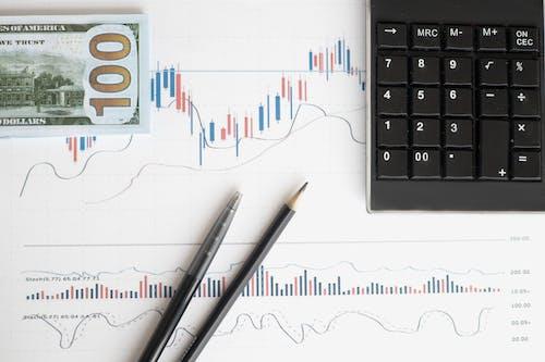 Fotos de stock gratuitas de análisis, balance, banca