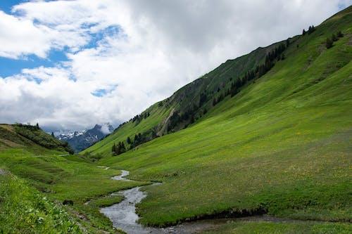 Foto stok gratis aliran, Austria, bayangan, bukit