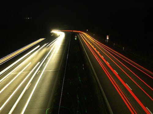 晚上, 汽車, 激光, 燈光 的 免費圖庫相片