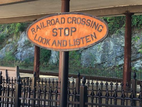 Free stock photo of railroad, railroad sign