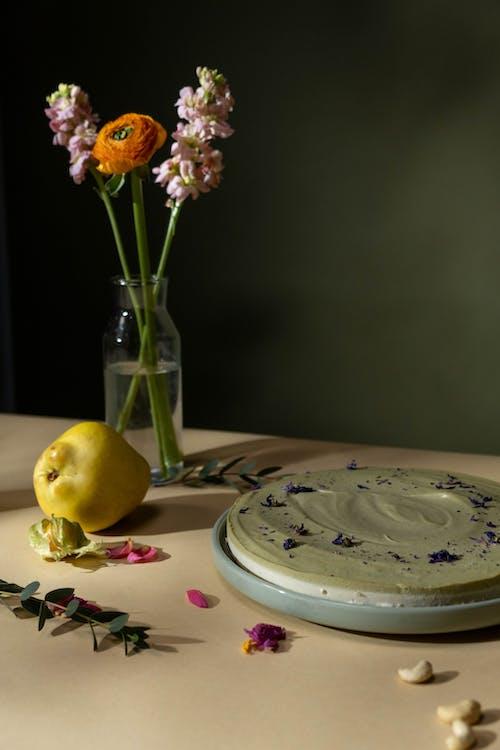 Foto profissional grátis de bandeja, bolo, em camadas