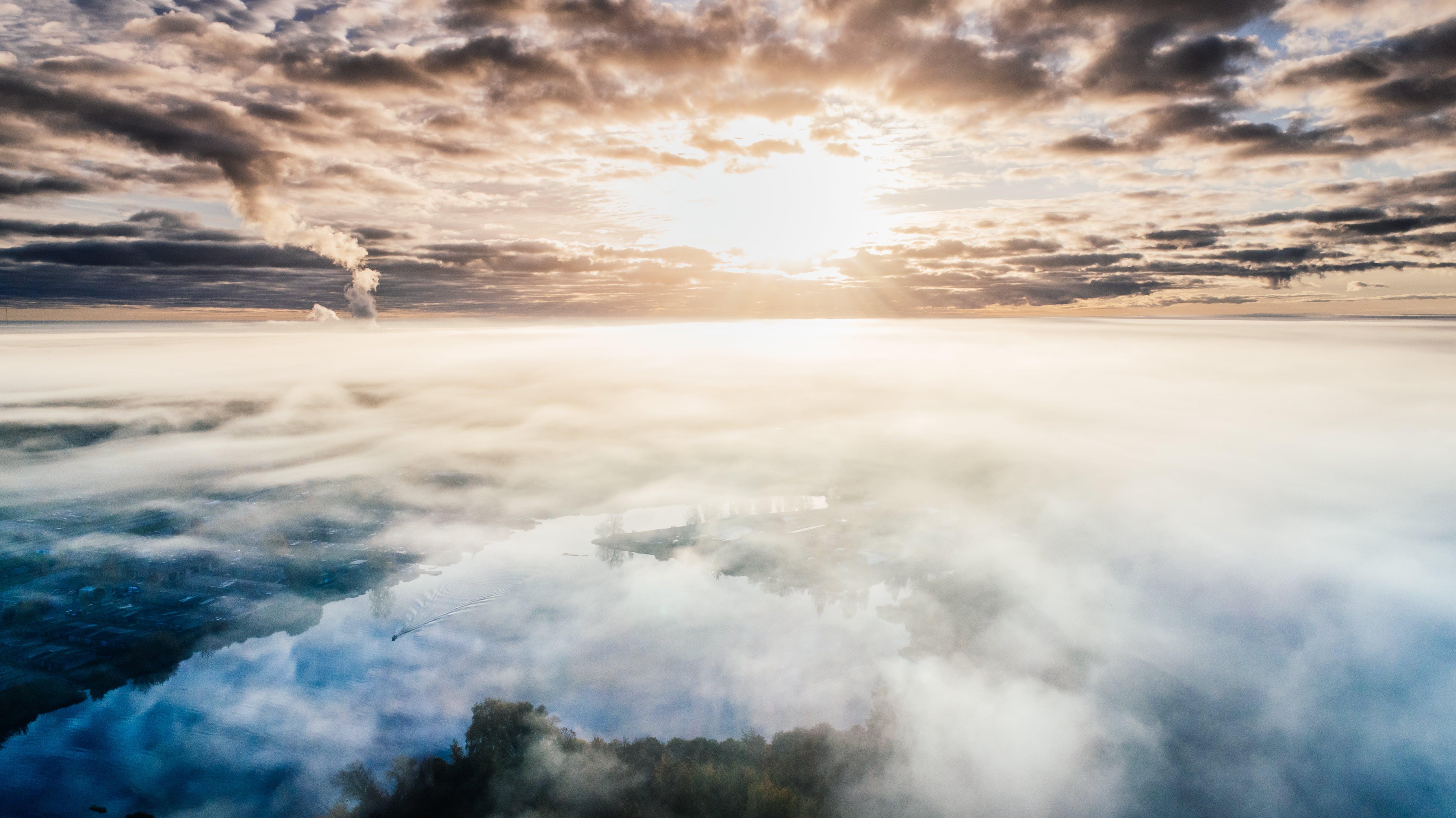 Kostenloses Stock Foto zu abend, airphoto, bewölkt, dramatisch