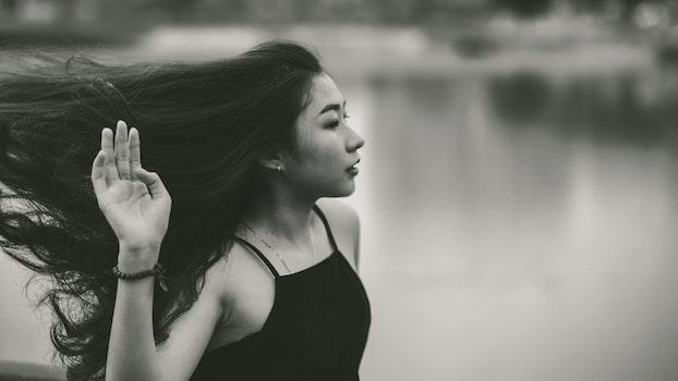 Kostenloses Stock Foto zu licht, schwarz und weiß, landschaft, fashion
