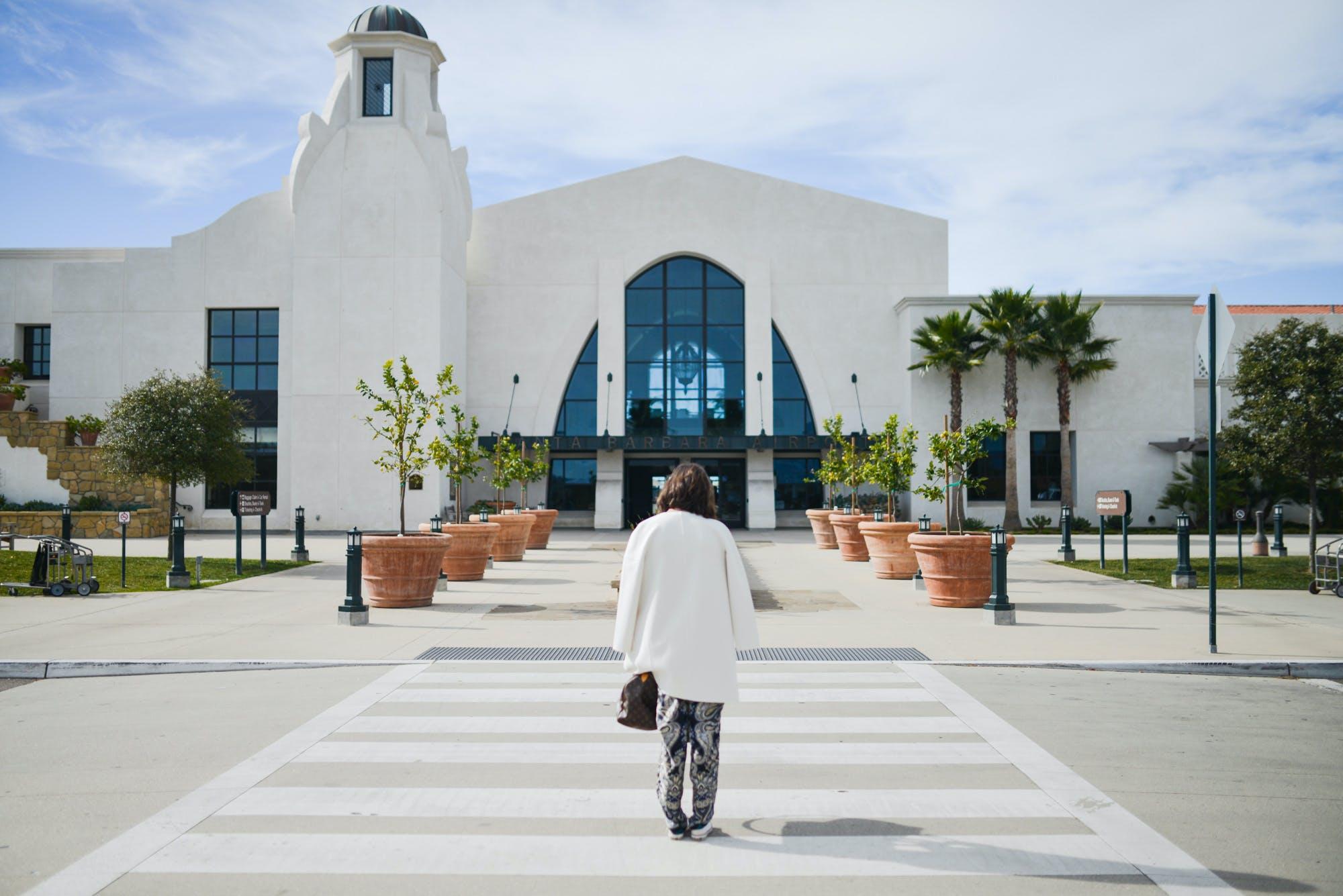 Foto profissional grátis de aeroporto municipal de santa barbara, Califórnia, construção, estrada