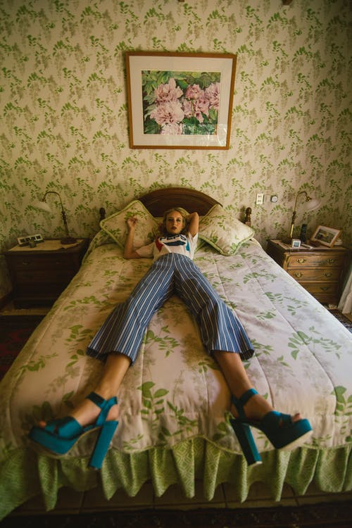 Fotobanka sbezplatnými fotkami na tému dáma, dievča, fotenie, izba
