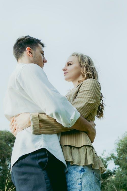 Gratis lagerfoto af forhold, hengivenhed, intimitet