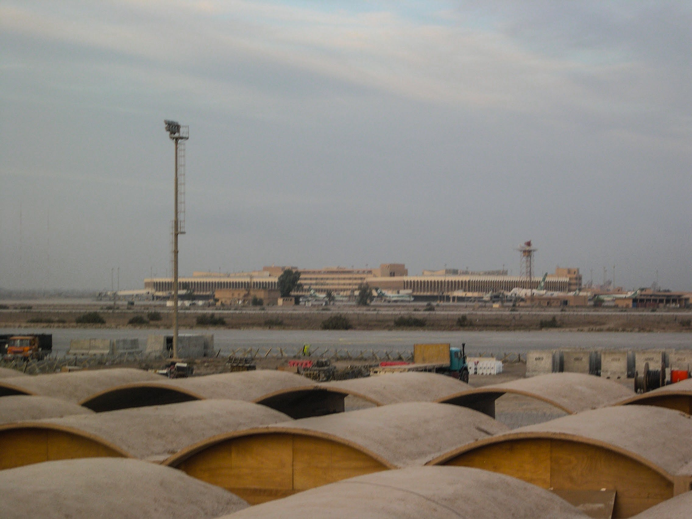 Free stock photo of airport, bahgdad international airport, military, runway