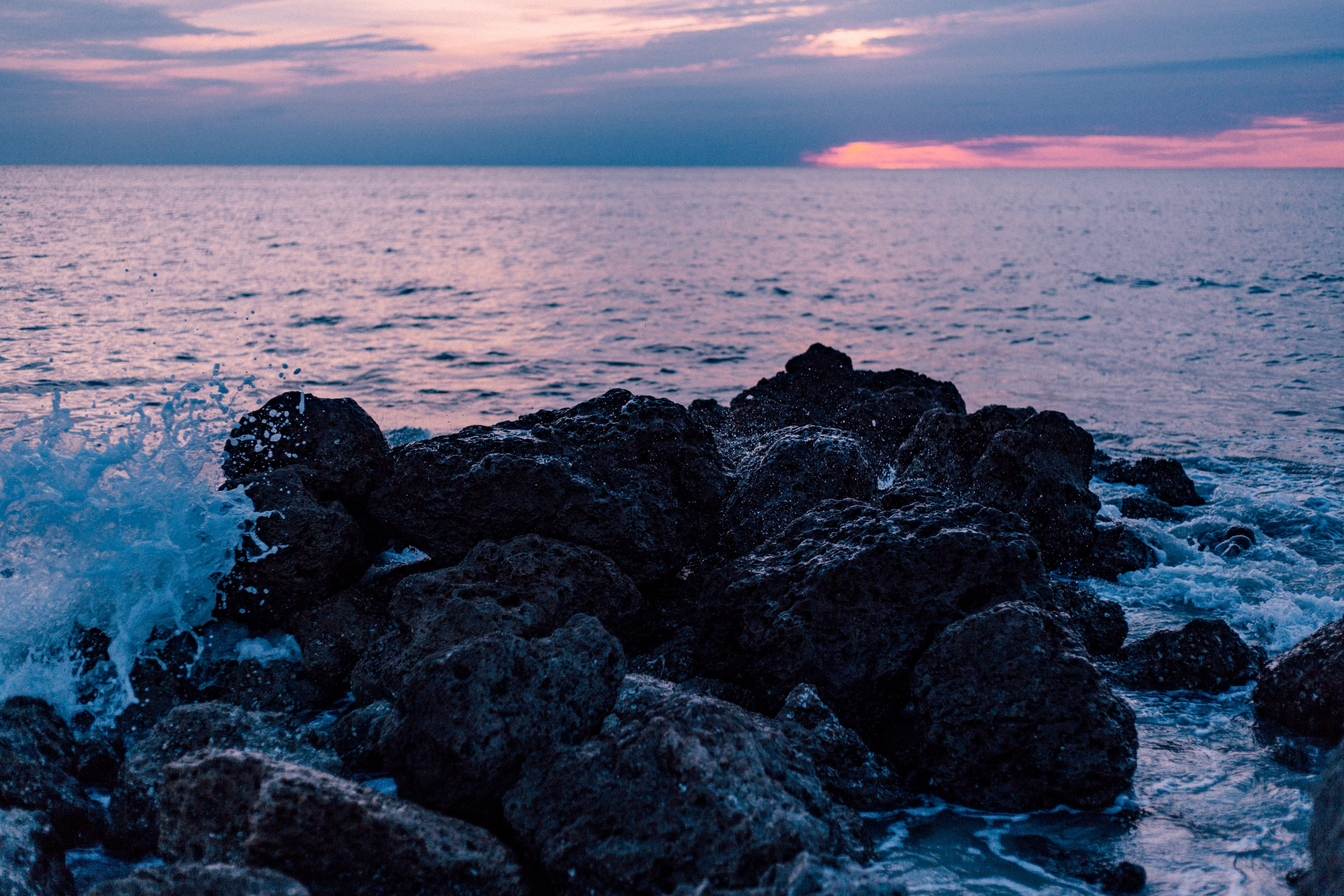 しぶき, 岩, 日没, 水の無料の写真素材