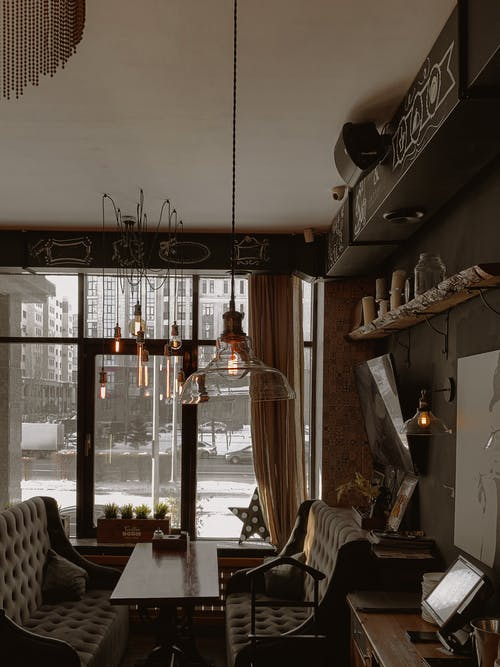 Foto profissional grátis de abajur, abandonado, arquitetura