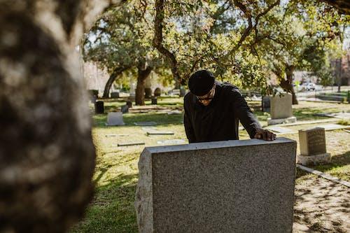 Kostnadsfri bild av depression, död, gravsten