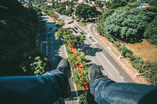 Foto stok gratis atap, jalan, lalu lintas, mobil