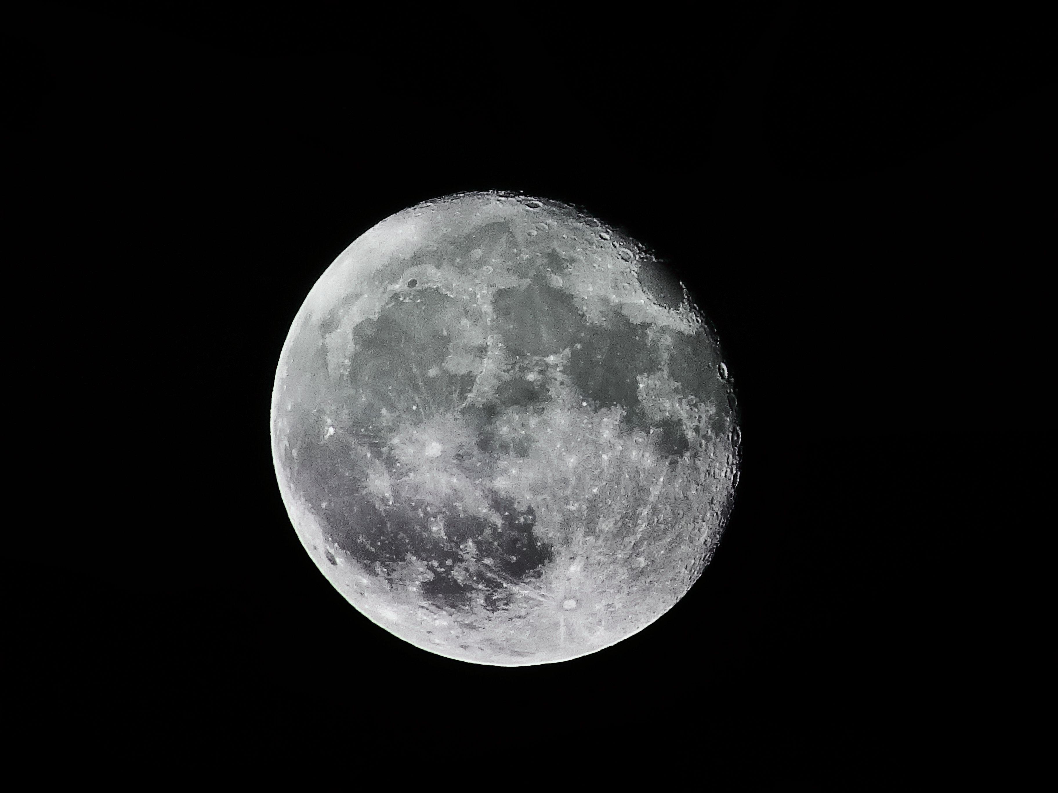 Edit With Snappa Full Moon Illustration