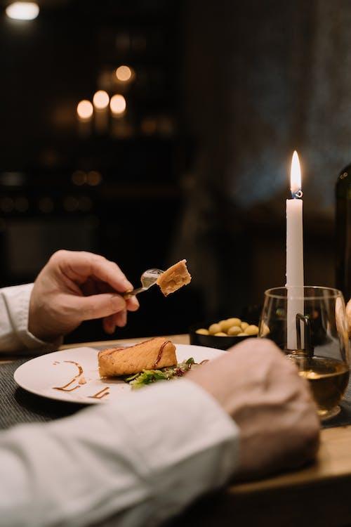 Darmowe zdjęcie z galerii z danie, jedzenie, kieliszek wina