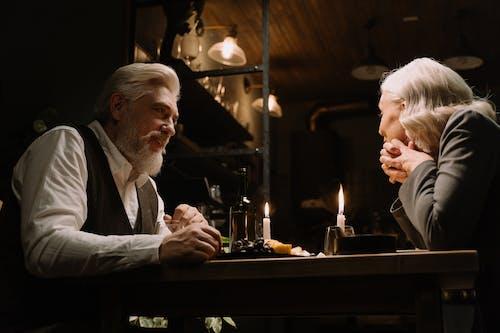 Fotos de stock gratuitas de amor, anciano, cena