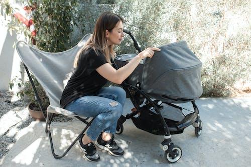 Gratis stockfoto met baby, baby'tje, binden