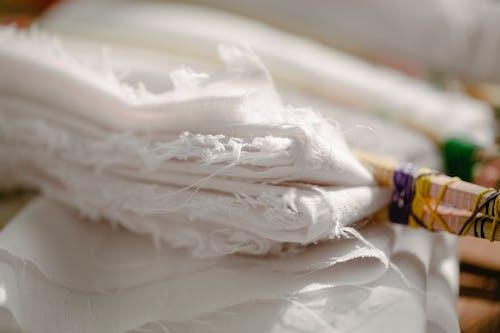 Бесплатное стоковое фото с белый, белье, выборочный фокус