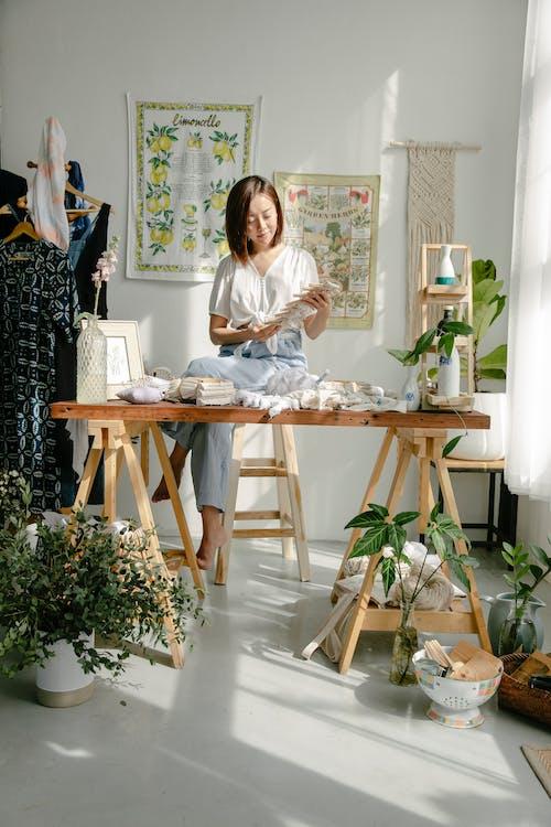 Darmowe zdjęcie z galerii z atelier, azjatka, barwnik