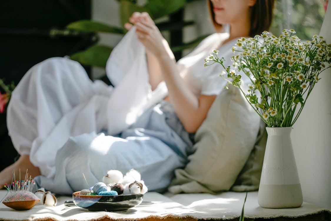 Foto profissional grátis de agulha, algodão, anônimo