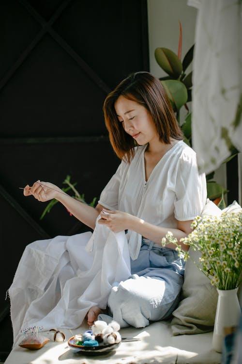 亞洲女人, 亞洲女性, 休息室 的 免費圖庫相片
