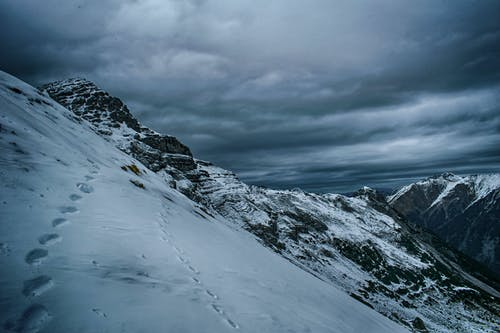 Kostenloses Stock Foto zu alpen, berggipfel, einsamkeit