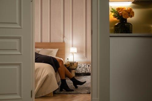 Ảnh lưu trữ miễn phí về chân, đèn, giày