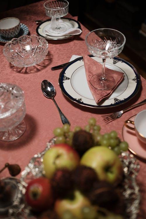 Gratis stockfoto met appels, avondeten, bekers