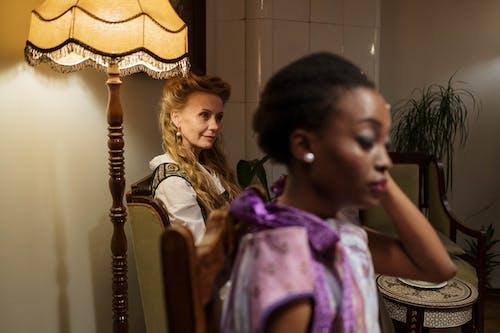 Безкоштовне стокове фото на тему «афро-американська жінка, вираз обличчя, вишуканість»