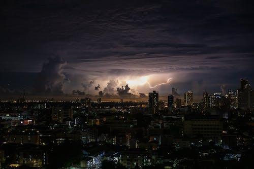 Základová fotografie zdarma na téma blesk, bouře, budovy