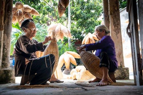 Fotobanka sbezplatnými fotkami na tému bambus, ľudia, nakupovať