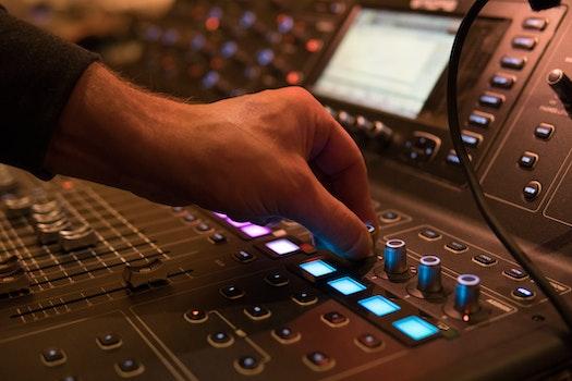 Free stock photo of hand, technology, music, audio