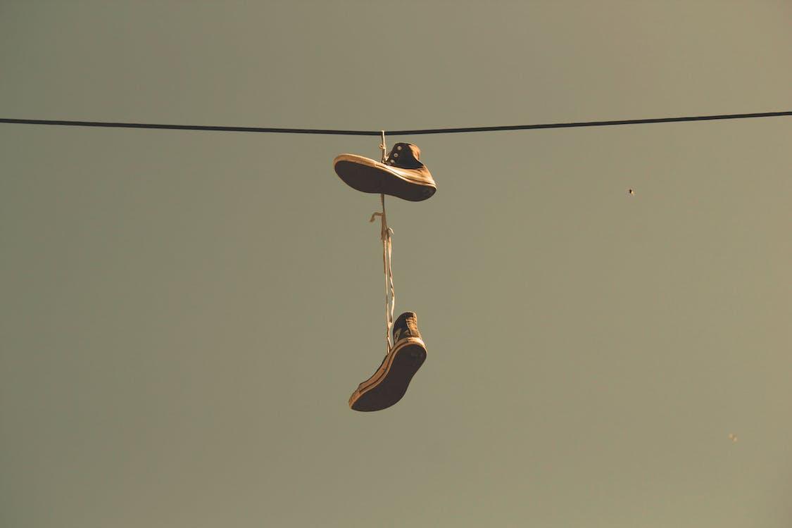 các môn thể thao, giày cao su, ngược