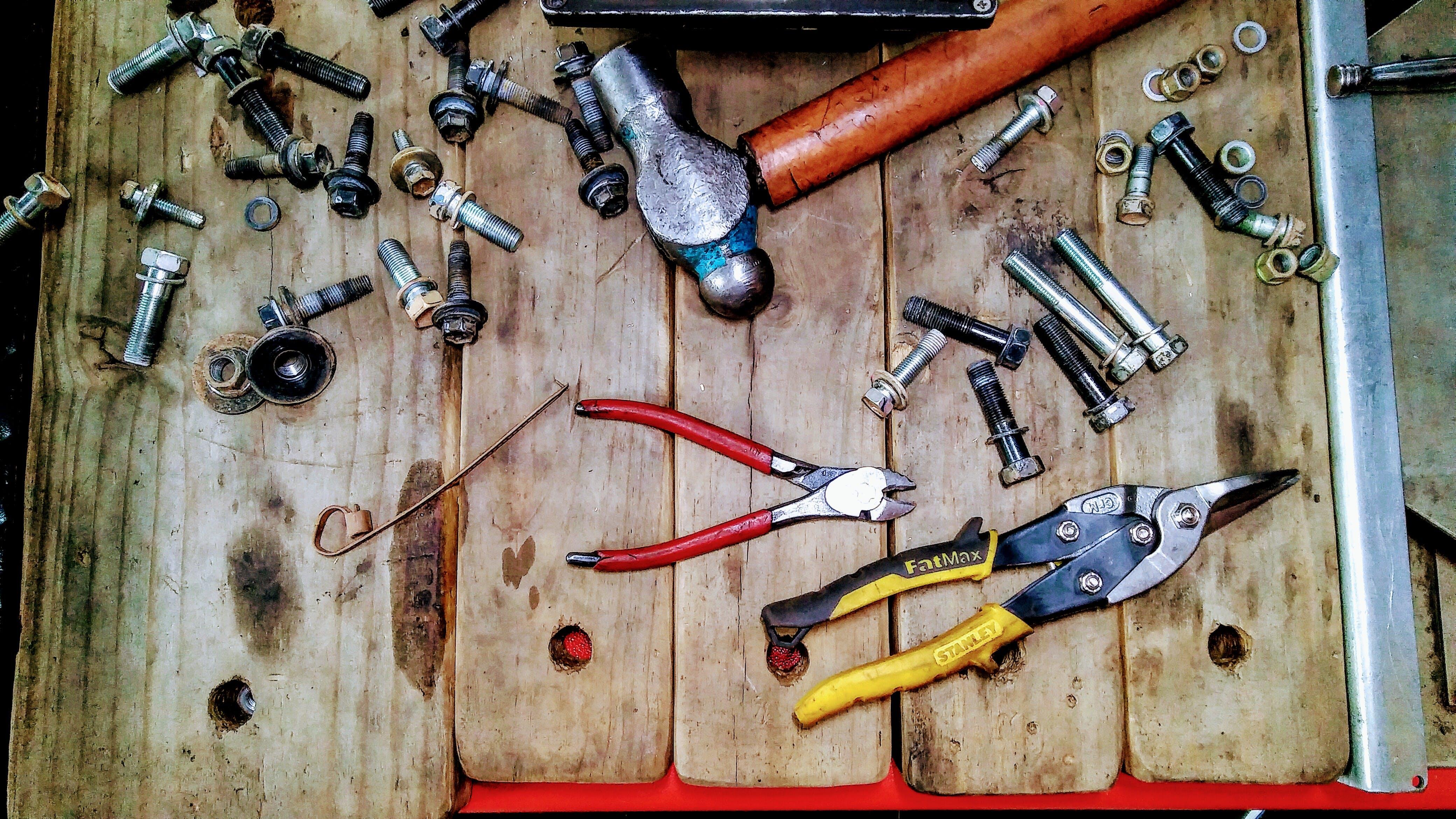 cutting tools, hammer, mechanic