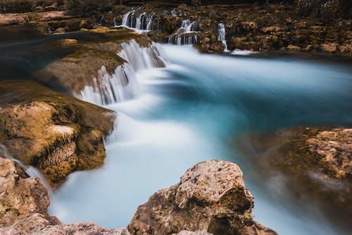 Kostnadsfri bild av bäck, blått vatten, dagsljus, fors