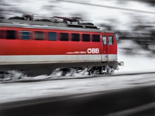 Безкоштовне стокове фото на тему «водіння, двигун, дорога, залізниці»