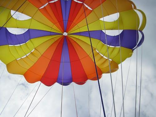 Fotos de stock gratuitas de cielo, colorido, paracaídas
