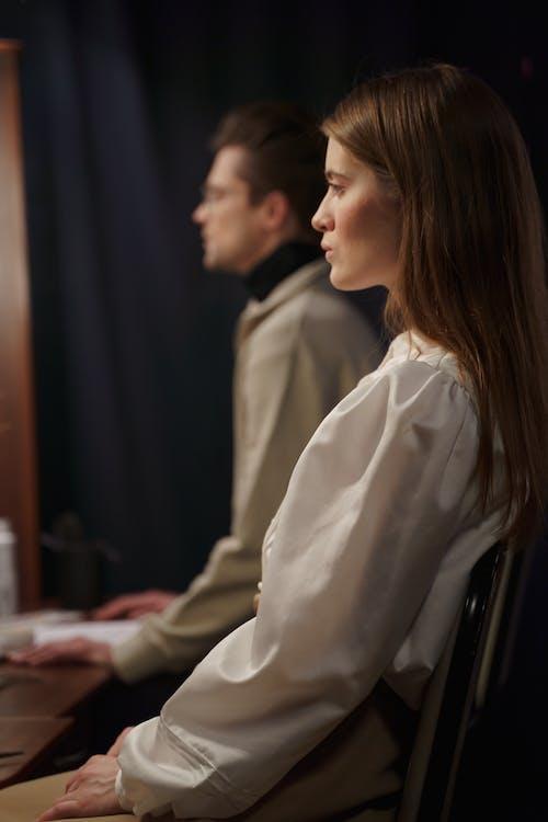 Foto stok gratis aktor, aktris, berfokus
