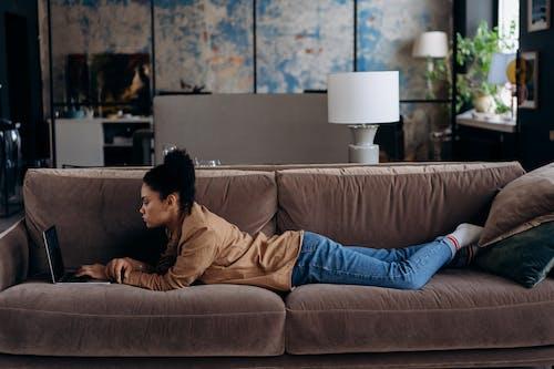 在家, 工作的, 抱枕 的 免费素材图片
