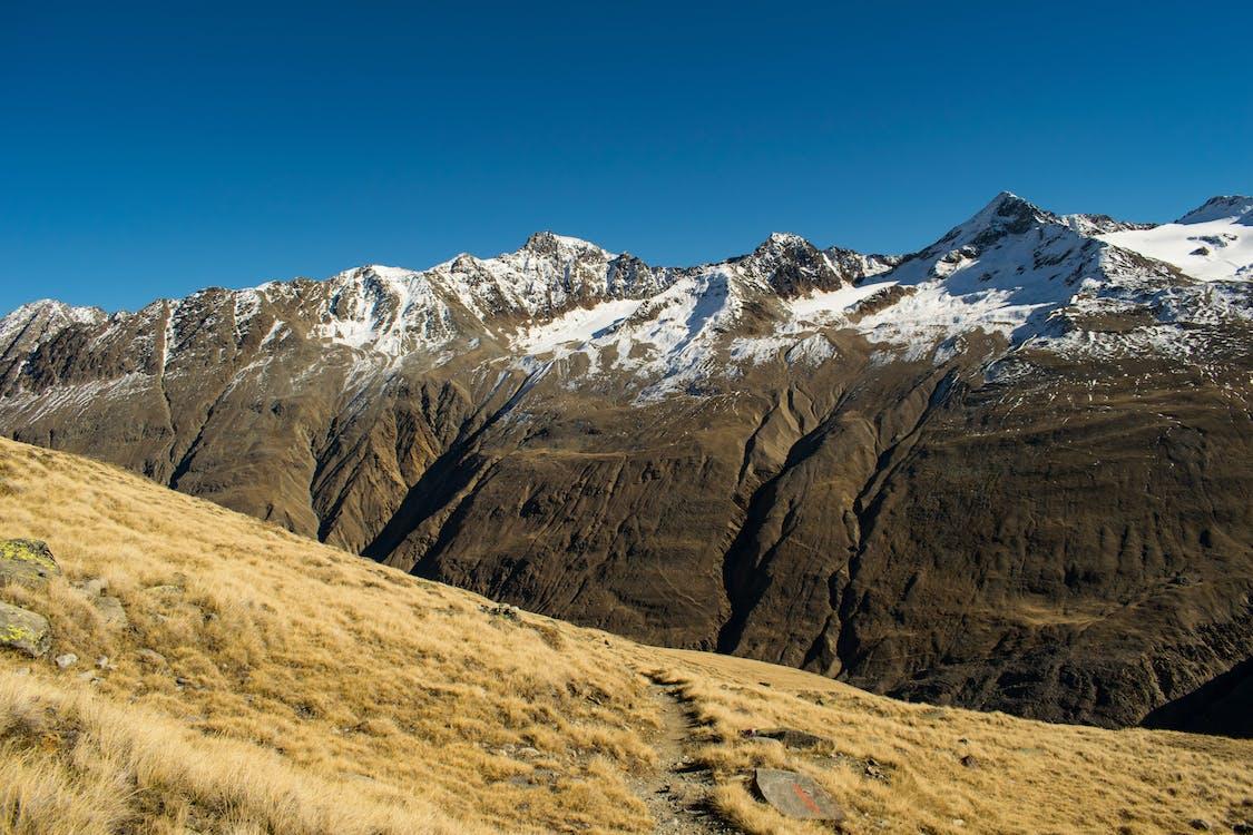 Kostenloses Stock Foto zu alpen, felswand, landschaft